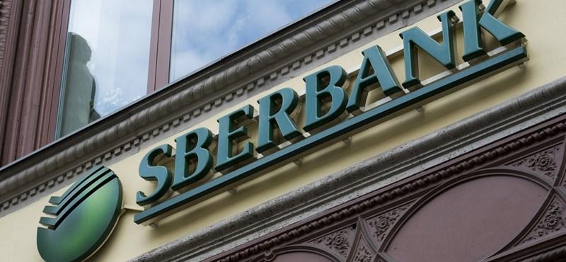 Fiókokat zár be a bankóriás Magyarországon