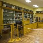 Múzeumban éledt újjá egy szemet gyönyörködtető békebeli bolt Gyulán – fotók