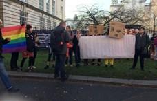 Szeretettel Nagy-Britanniából: Az abortusz erkölcstelen? OK, boomer