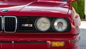 75 millió forintot adtak ezért a 32 éves M3-as BMW-ért