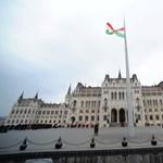 Már nincs kitiltva a Parlamentből a 444.hu újságírója, mégsem engedték be