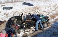 Három gyerek maradt árván az hétfői, M3-ason történt tragédia után