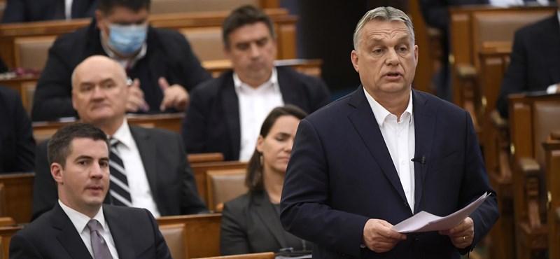 Elbukott Orbán terve, nem szavazta meg az ellenzék, hogy hétfőn elfogadják a felhatalmazási törvényt