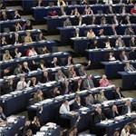 Politikusok nyelvtudás nélkül: kínos helyzetben a cseh miniszterek