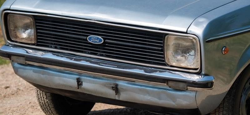 Régi ütött-kopott kis Ford Escort, de miért ér egy kisebb vagyont?