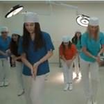 Kezet mosni valójában óriási buli – videó