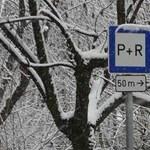 A környék lakói szívnak a Pöttyös utcai fizetős P+R parkoló miatt