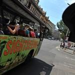Tarlós az utolsó pillanatban fújta le a lezsírozottnak tűnt döntést a városnéző buszokról