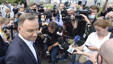 Die Zeit: Zűrzavaros idők jöhetnek Lengyelországban az elnökválasztás után