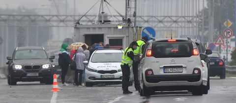 Szlovákia egy napra visszaállítja a beutazók ellenőrzését a határokon
