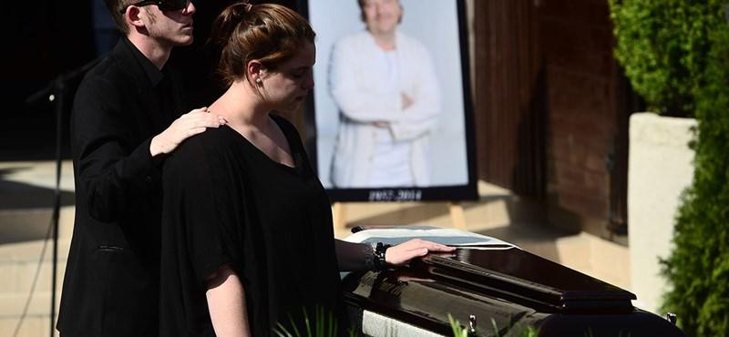 Elbúcsúztatták Bajor Imrét - fotók a temetésről
