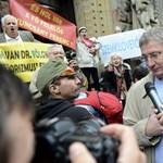 Gyurcsányt meghallgatták a Fővárosi Törvényszéken – újságíróknak államtitokról beszélt