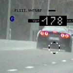 Nagyon sietett egy autós Kecskemétre: 180-nal fotózták le a 90-es táblánál