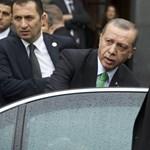 Újabb kormánykritikus újságírót zártak be Törökországban