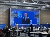 Migrációval hangolt a NATO-csúcsra Orbán