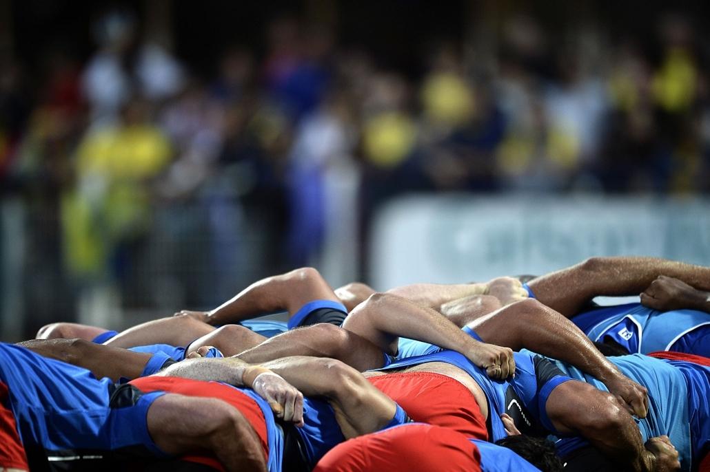 afp. az év sportfotói 2014. Clermont-Ferrand, Franciaország - Montpellier játékosai bemelegítés előtt 2014.08.29.