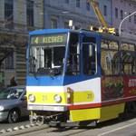 Érintős bankkártyával is lehet majd villamosjegyet venni Szegeden