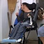Nincs megállás: ezért a munkáért fizet 53 ezer forintot az állam a szeretteiket ápolóknak