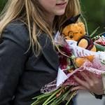 Berágtak a virágkötők a jótékonykodó gimisekre