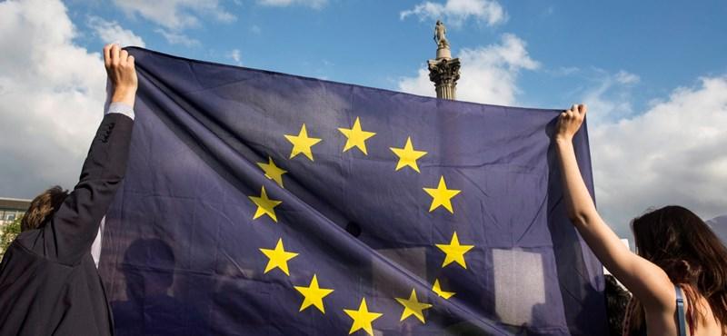 Legyen népszavazás az EU-tagságunkról is!