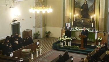 Jelen lehetett Orbán egy 200 fős búcsúztatáson, mert a vallási szertartás nem államilag meghatározott rendezvény