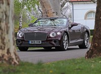 Milyen egy 90 millió forintos új Bentleyvel kabriózni? Kipróbáltuk