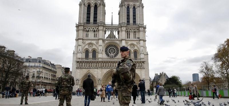 Párizsi szenátus: úgy építsék vissza a Notre-Dame-ot, ahogy volt