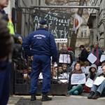 Székházfoglalás, tüntetések: elégedett a rendőrséggel az ombudsman