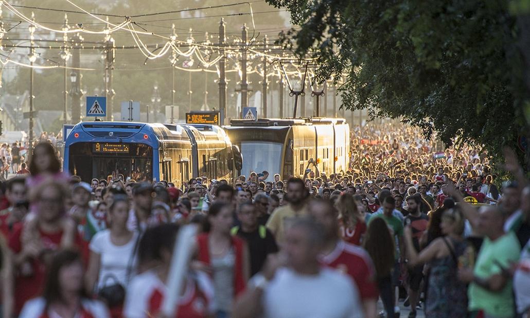 tg.16.06.18. - magyar szurkolók a Margit-szigeten, euro 2016