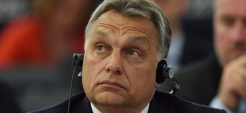 Orbán Viktor Salzburgból jelentkezett be a Facebookon