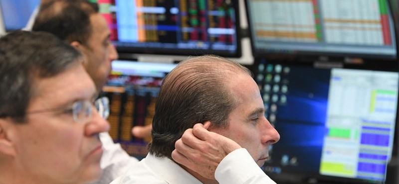 Hatalmasat zuhantak a tőzsdén március eleje óta a NER-cégek