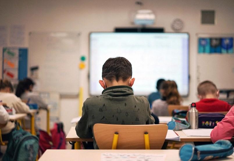 Koronavírus és iskolanyitás: a diákoknak könnyebb, a tanároknak nehezebb lesz otthon maradni