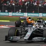 Hamilton nyerte a mexikóvárosi Forma-1 futamot