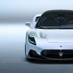 Szárnyas ajtók és 621 lóerő: itt egy új klasszikus a Maseratitól
