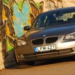 Használt autó: BMW 5 vagy Mercedes E?