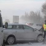 10+1 dolog, ami életet menthet az autóban télen