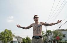 Tetoválóművész akart lenni, aztán inkább millimos lett a vicceivel