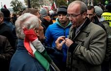 Pénzbüntetést kérnek az Ungváry Krisztiánt megtámadó férfira