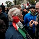 """""""El kell viselniük a kritikát"""" - üzent a Kossuth téren megütött Ungváry"""