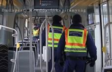 Megszállták a 3-as villamost a rendőrök