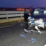 A forgalommal szembefordult autó okozott halálos balesetet az M5-ösön