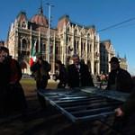 Orbán még kemény lehetett, a mostani ellenzék egy Benny Hill show-ban találhatja magát