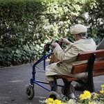 Több mint kétszer annyi nyugdíjas él szegénységben, mint nyolc éve