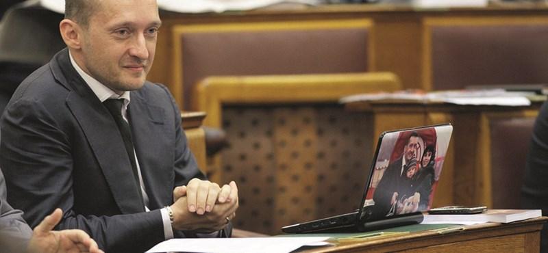 Visszavonták az internetadó plafonjáról szóló javaslatot
