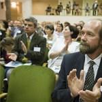 A Nemzeti Pedagógus Kar is kiosztotta a kormányt béremelés-ügyben