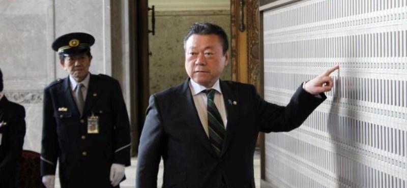 Úgy volt, hogy ő védi meg Japánt – aztán kiderült, hogy sosem használt még számítógépet