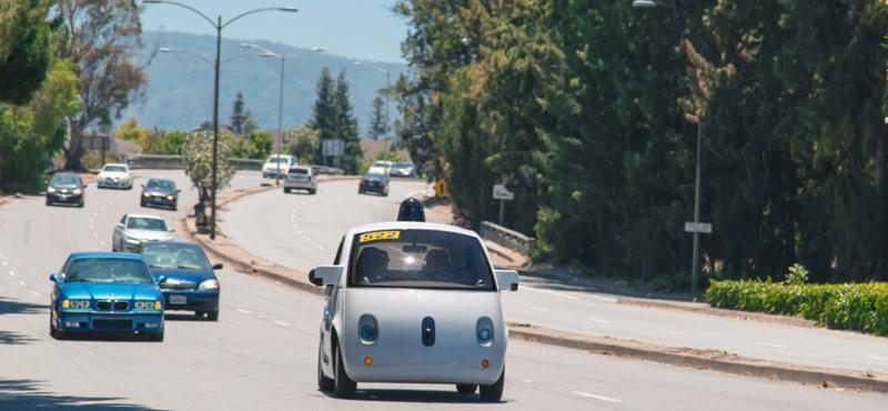 Így vethet véget a kerékpáros-autós konfliktusnak a Google-autó