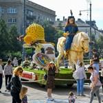 Elkezdődött a virágkarnevál Debrecenben