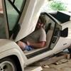 Tolatóradar: Az unoka lelt rá a nagyszülők porosodó szupersportkocsijaira