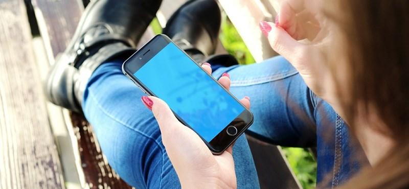 Egyre több diák púpos az okostelefon miatt